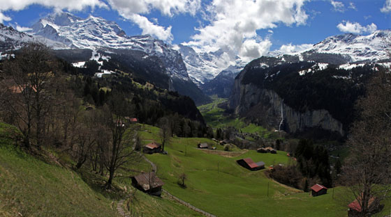 Lauterbrunnen Valley   viewed from Wengen   April 2012