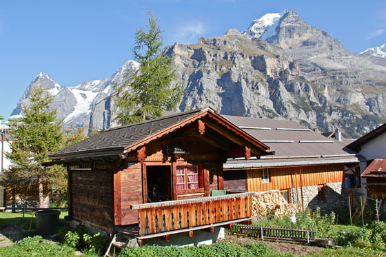 Tiny chalet in Mürren   October 2011