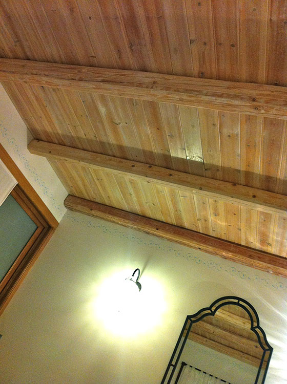 Bedroom ceilings covered with nice pink cerused wood