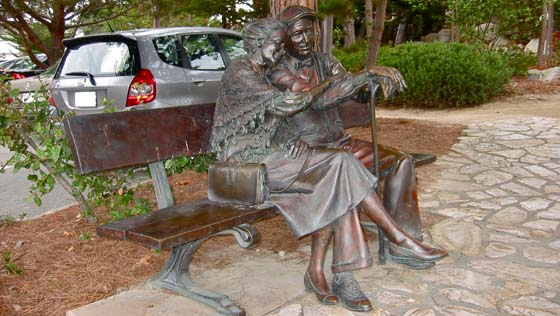 Lovers on a bench in downtown Carmel